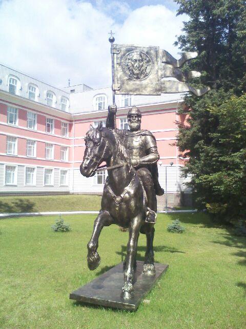 монументальная скульптура из стеклолпастика